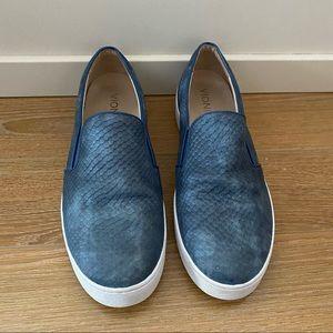 Vionic Midi Blue Snake Slip-On Sneaker